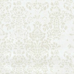 Comblé Cream on White Wallpaper