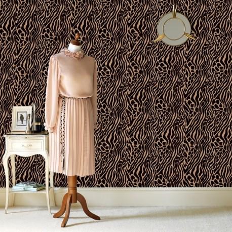 Easy Tiger Brown Wallpaper