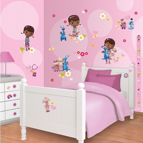 Walltastic Disney Doc McStuffins Room Décor Kit